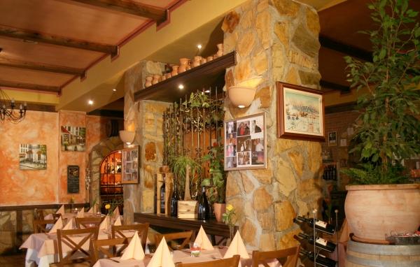 2.restaurant1-velika